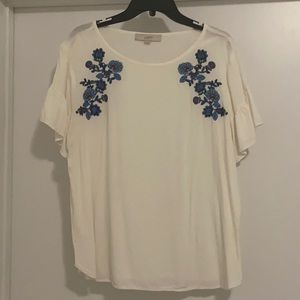 XL Loft top with ruffle sleeve, embroidery detail
